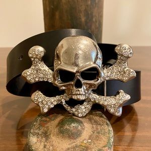 Skull and Crossbones Black Leather Belt